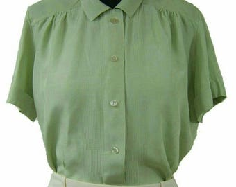 Vintage 1950s sage green Peter pan collar short sleeve blouse, size 10