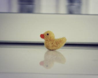 Tiny Little Neddle Felted Duckling
