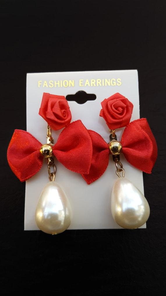 Red rose earrings, pearl earrings, dangle earrings, drop earrings, holiday earrings