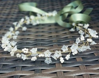 White Flower and Pearl Hair Vine/Accessory Various Lengths  Wedding Prom Party