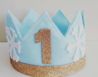Baby's first birthday party felt crown // cake smash photoshoot felt crown // felt crown + bowtie set