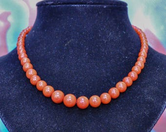 Simple and pretty natural coral necklace