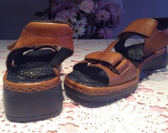 Brown leather sandals , size 39 (5)