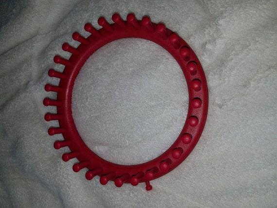 Medium Provo Knifty Knitter Loom Red from ...