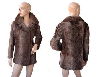 Vintage women fur coat brown buttons Cofa