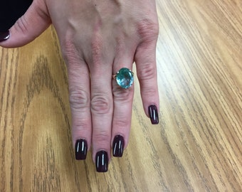 Vintage antique style gold with green stone ring