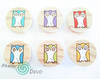 Wooden owl magnets, small round magnets, cute colorful owls, refrigerator, kitchen, office, gift idea, handmade, woodburning