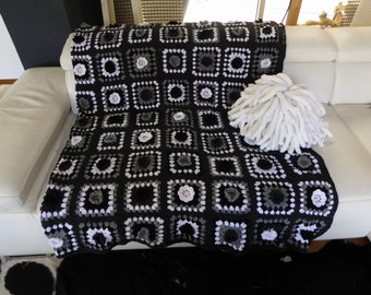 Crochet granny white, black and grey Plaid square vintage