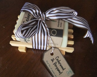 Cedarwood and Bergamot Soap with Natural Wood Soap Tray