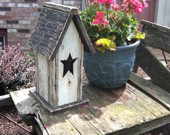 Re-claimed Wooden Birdhouse