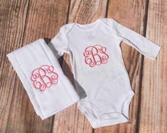 Monogrammed Baby girls bodysuit onesie and burp cloth matching set, baby shower gift, monogrammed baby shower gift set