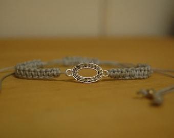Jeweled oval silver macrame bracelet