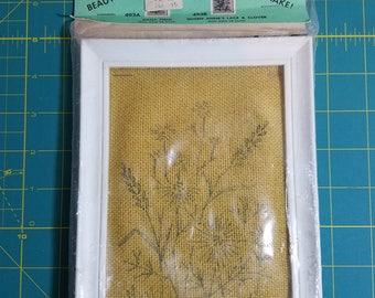 Creative Stitchery -- Daisy Field 493A --Complete Kit