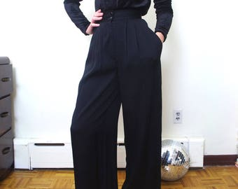 BLACK high waisted wide leg pleat trousers Size 4/25""