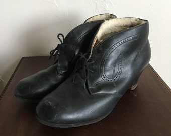 1950s Black Wool Lined Boots