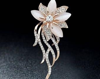 Mother day gift for Grandma gift brooch Flower Brooch  Gold brooch Costume brooch Vintage jewelry Elegant brooch Pearl brooch