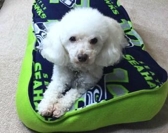 Seahawk Dog Bed-12th Dog Bed-Handmade Dog Bed-Cushy Dog Bed-Washable Dog Bed-Seahawks 12th dog Bed-Fleece soft Dog Bed-Cozy Fleece Dog Bed