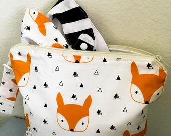 Fox wet bag gift set with two bibs, baby bag, diaper bag, beach bag, wet bag set, baby shower gift, baby gift set, baby shower gift