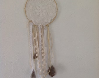 Grab-dreams/Dreamcatcher in rafia, doily embroidered old, Ribbon, feathers