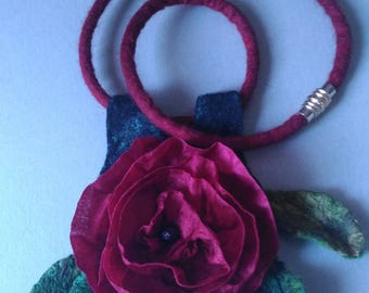 Nuno felted necklace Floral accessories Silk necklace Wool necklace Handmade flowers necklace Red&Black jewelry