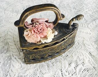 Vintage Trinkets, Vintage Decor, Antique Decor, Antique Trinkets