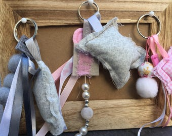 Lot of 3 key ring grey and pink