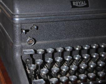 """Working 1940's Royal Typewriter- """"Secretary's Choice"""""""