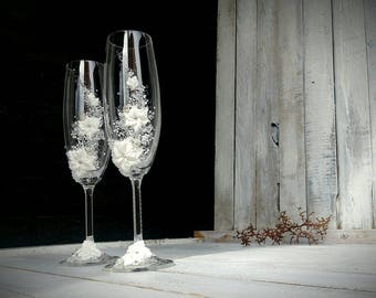 Princess Wedding Wine Glass, Handmade Decorated Flutes, Hand painted floral ornaments, pair of flutes