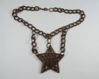 Metal Cutout Star Necklace