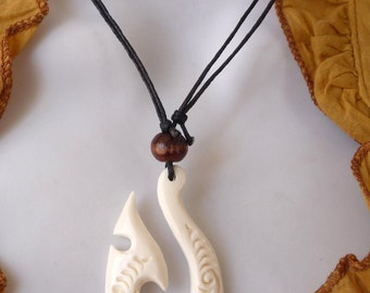 Maori necklace tribal ethnic whale tail bone Maori Fish Hook Whale Tail Pendant Necklace