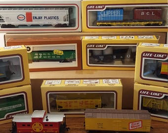 VALUE PACK - 11 HO Scale Freight Cars and Cabooses (c.1980's)