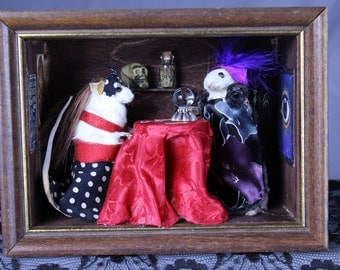 Psychic Mouse Taxidermy Room Box Wall Mount W/ Miniatures