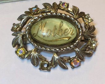 ON SALE Charming Vintage 'Mother' brooch