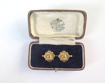 Victorian gilt metal brooch in box