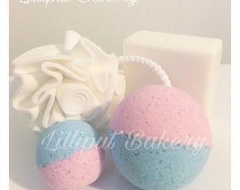 Bath Bomb Freshly Baked Cupcake & Strawberry