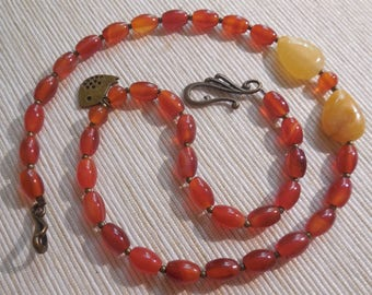 Carnelian and agate Choker-necklace