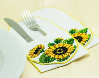 Bead-embroidered cutlery wraps envelopes wallets sunflower flower hand embroidery table decoration