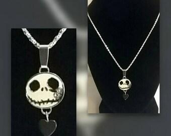 Jack necklace with black hemitate heart