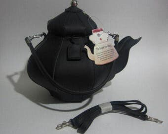 RETIRED Pylones Inspired Teapot Purse (Black)