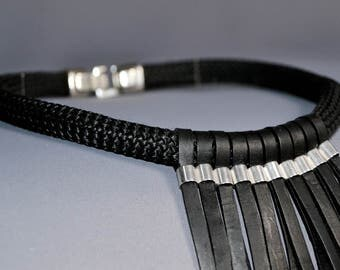 Statement necklace leather black/silver