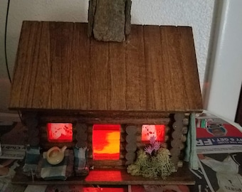 Log Cabin Miniature with Light