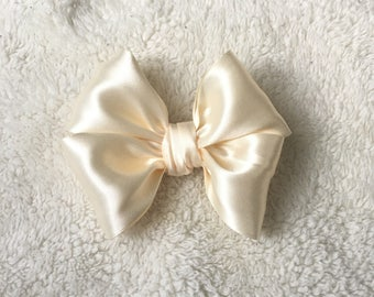 Champagne Nany Hairbow