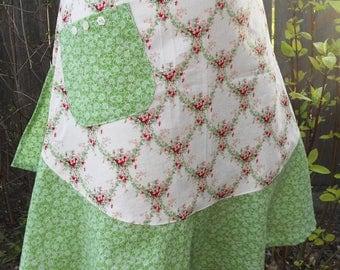 Half Apron - Dainty Floral Print/Vintage Apron/Teacher Gift