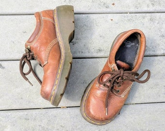 90's Vintage Doc Martens Brown Leather Platform Laceups
