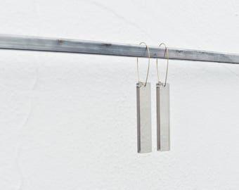 Linea Earrings - Smokey Black