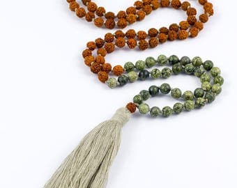 Yoga mala CREATIVITY chain with MOSS agate, Rudraksha seeds and beige tassel - for yoga and meditation