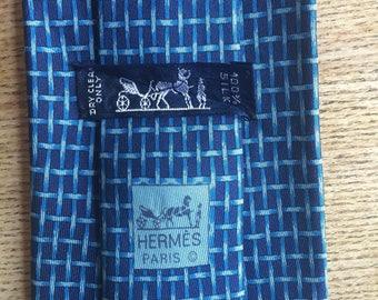 HERMES 100% SILK tie 88 HA geometric rope pattern on navy background