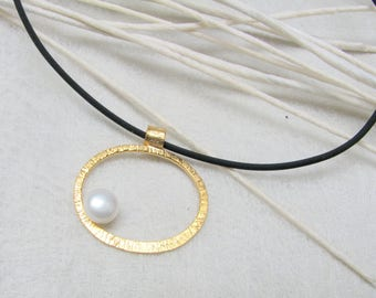 LaLune - small goldplated Silverpendant w/  pearl