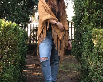The classic beige scarf