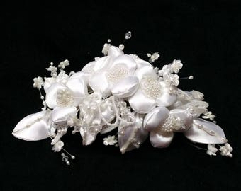 1980's Vintage Bridal Flower Beaded Hairpiece